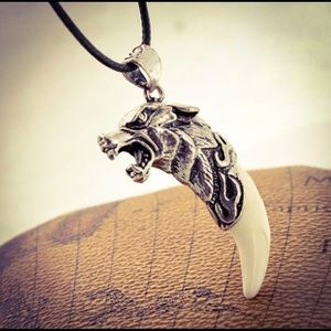 Antique Silver Tribal Stark Wolf 🐺 Tooth Necklace